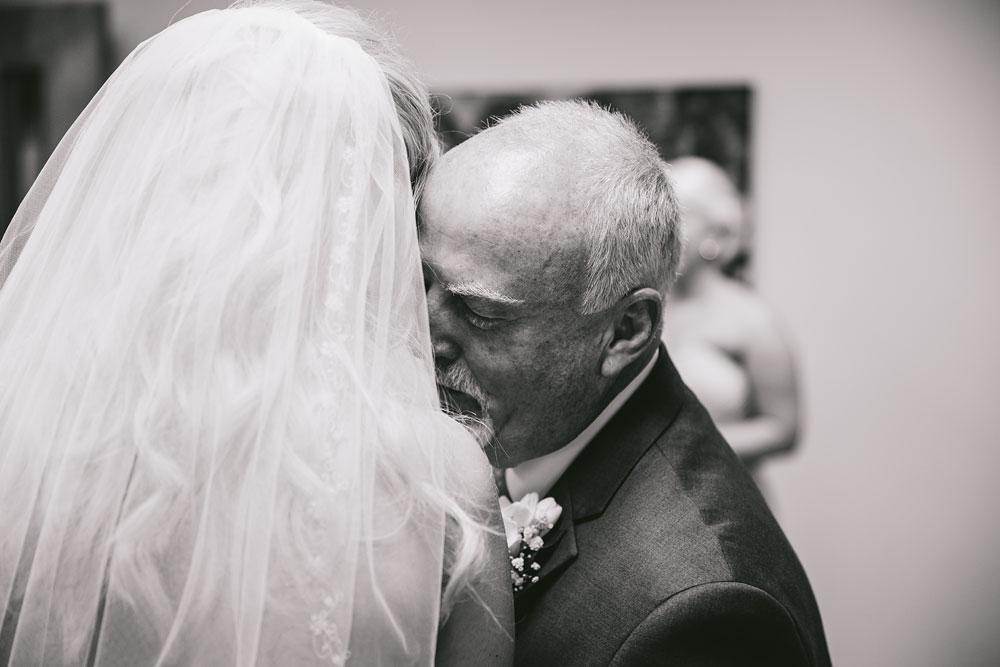 cleveland-wedding-photographers-conrad-botzum-farmstead-akron-ohio-vintage-photojournalistic-photography-22.jpg