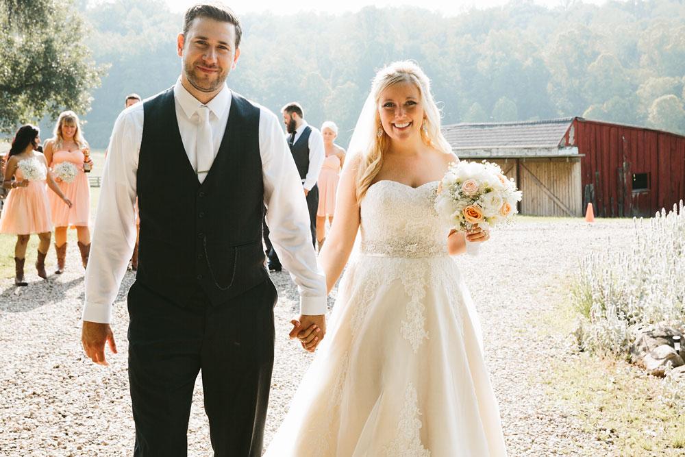cleveland-wedding-photographers-conrad-botzum-farmstead-akron-ohio-vintage-photojournalistic-photography-33.jpg