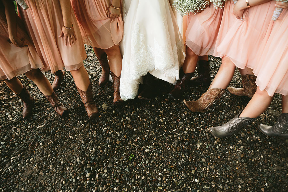 cleveland-wedding-photographers-conrad-botzum-farmstead-akron-ohio-vintage-photojournalistic-photography-35.jpg