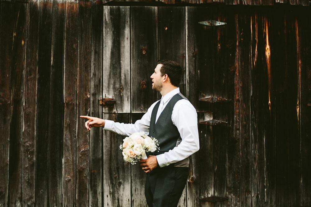cleveland-wedding-photographers-conrad-botzum-farmstead-akron-ohio-vintage-photojournalistic-photography-44.jpg