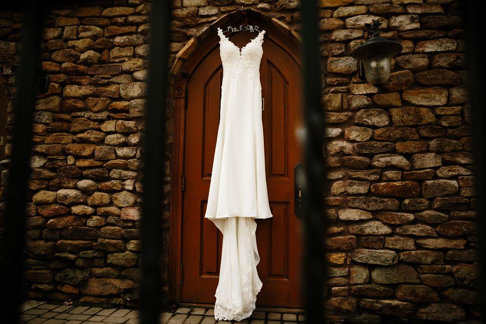columbus-ohio-wedding-photographers-landolls-mohican-castle-central-ohio-fall-outdoor-wedding-1.jpg
