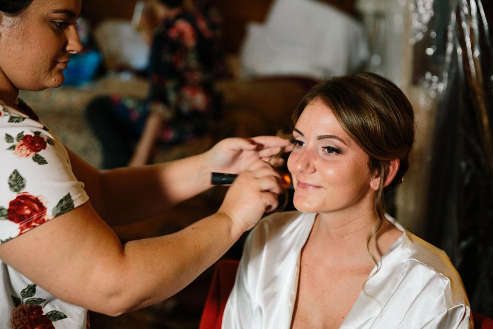 columbus-ohio-wedding-photographers-landolls-mohican-castle-central-ohio-fall-outdoor-wedding-11.jpg