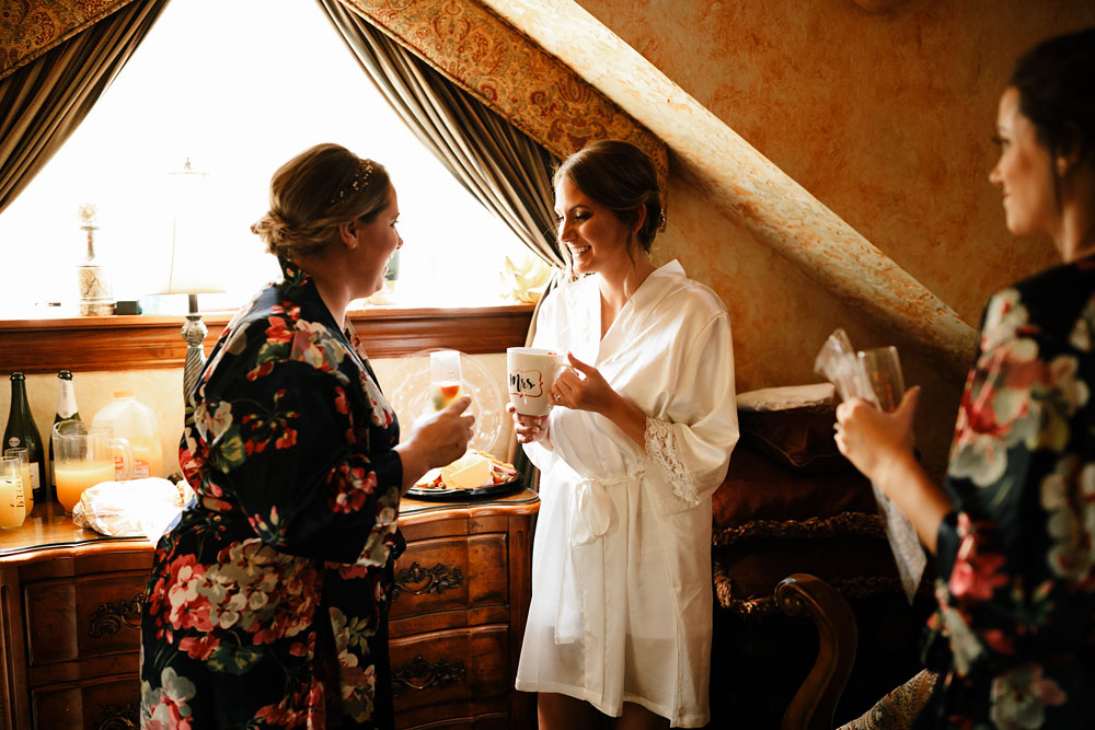 columbus-ohio-wedding-photographers-landolls-mohican-castle-central-ohio-fall-outdoor-wedding-16.jpg
