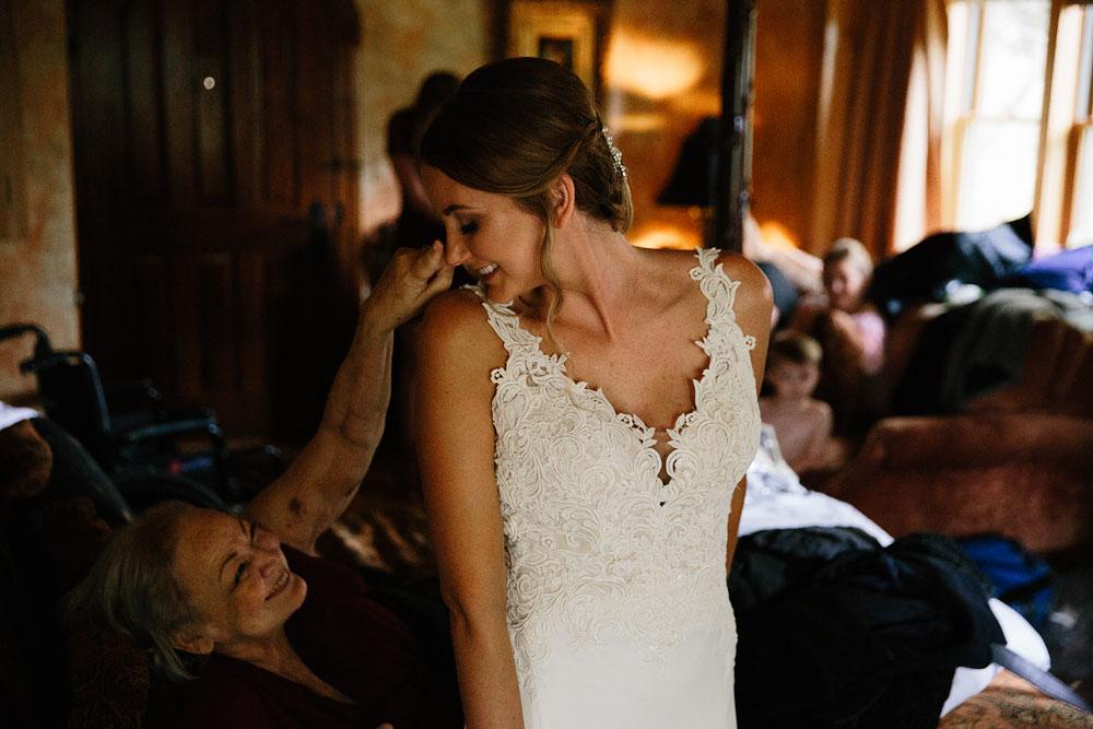 columbus-ohio-wedding-photographers-landolls-mohican-castle-central-ohio-fall-outdoor-wedding-24.jpg