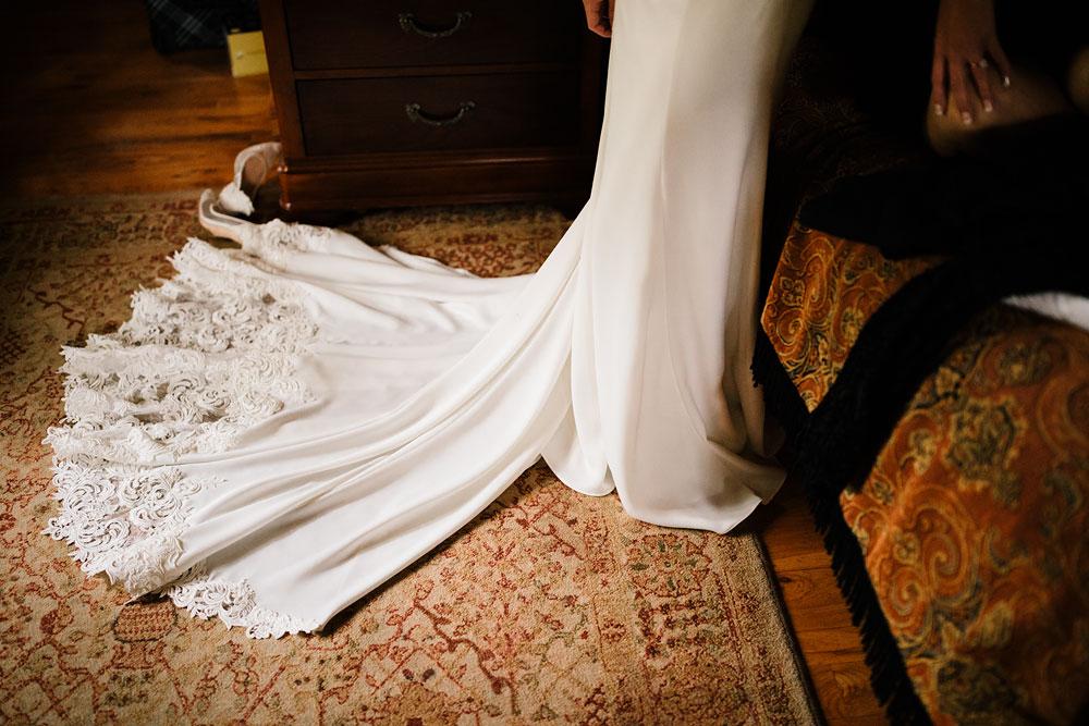columbus-ohio-wedding-photographers-landolls-mohican-castle-central-ohio-fall-outdoor-wedding-25.jpg