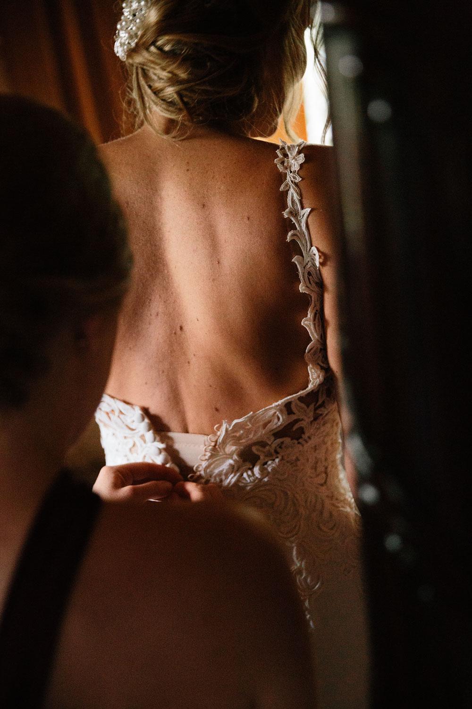 columbus-ohio-wedding-photographers-landolls-mohican-castle-central-ohio-fall-outdoor-wedding-29.jpg