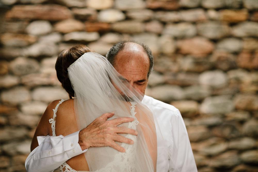 columbus-ohio-wedding-photographers-landolls-mohican-castle-central-ohio-fall-outdoor-wedding-36.jpg