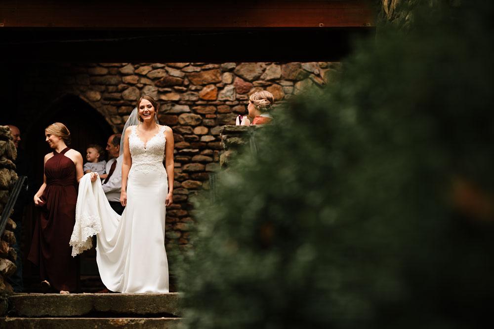 columbus-ohio-wedding-photographers-landolls-mohican-castle-central-ohio-fall-outdoor-wedding-41.jpg