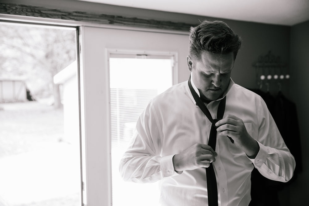 columbus-ohio-wedding-photographers-landolls-mohican-castle-central-ohio-fall-outdoor-wedding-57.jpg