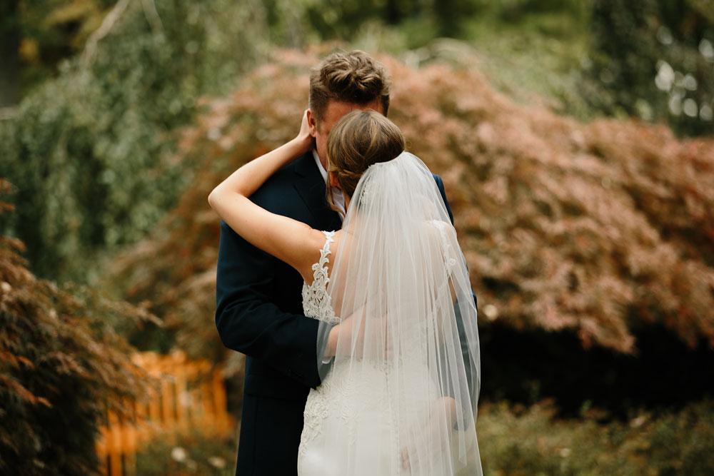 columbus-ohio-wedding-photographers-landolls-mohican-castle-central-ohio-fall-outdoor-wedding-75.jpg