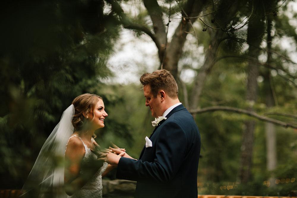 columbus-ohio-wedding-photographers-landolls-mohican-castle-central-ohio-fall-outdoor-wedding-79.jpg