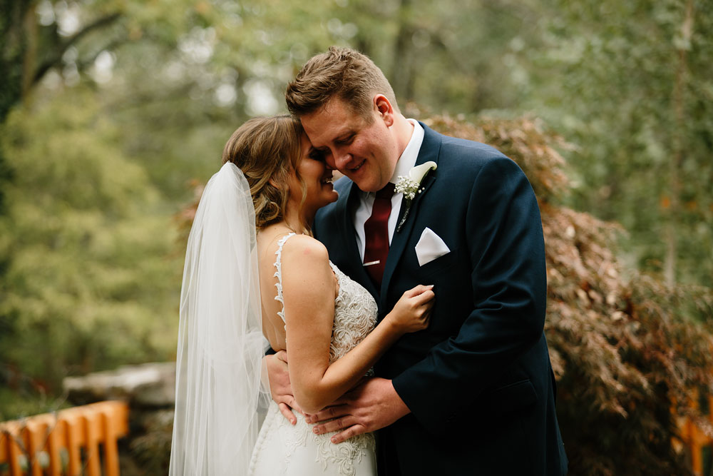 columbus-ohio-wedding-photographers-landolls-mohican-castle-central-ohio-fall-outdoor-wedding-80.jpg