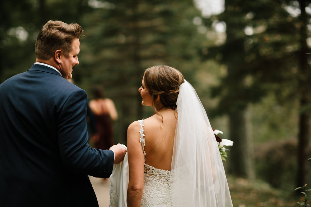 columbus-ohio-wedding-photographers-landolls-mohican-castle-central-ohio-fall-outdoor-wedding-85.jpg