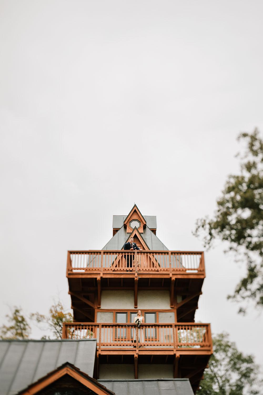 columbus-ohio-wedding-photographers-landolls-mohican-castle-central-ohio-fall-outdoor-wedding-93.jpg