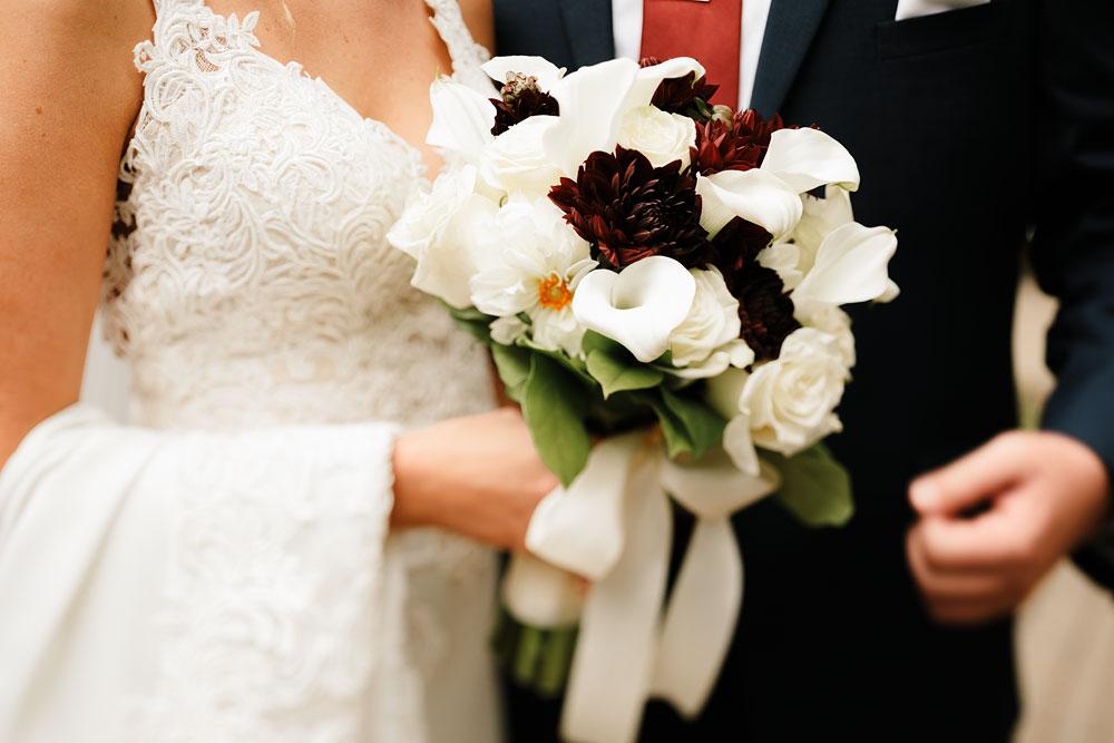 columbus-ohio-wedding-photographers-landolls-mohican-castle-central-ohio-fall-outdoor-wedding-94.jpg