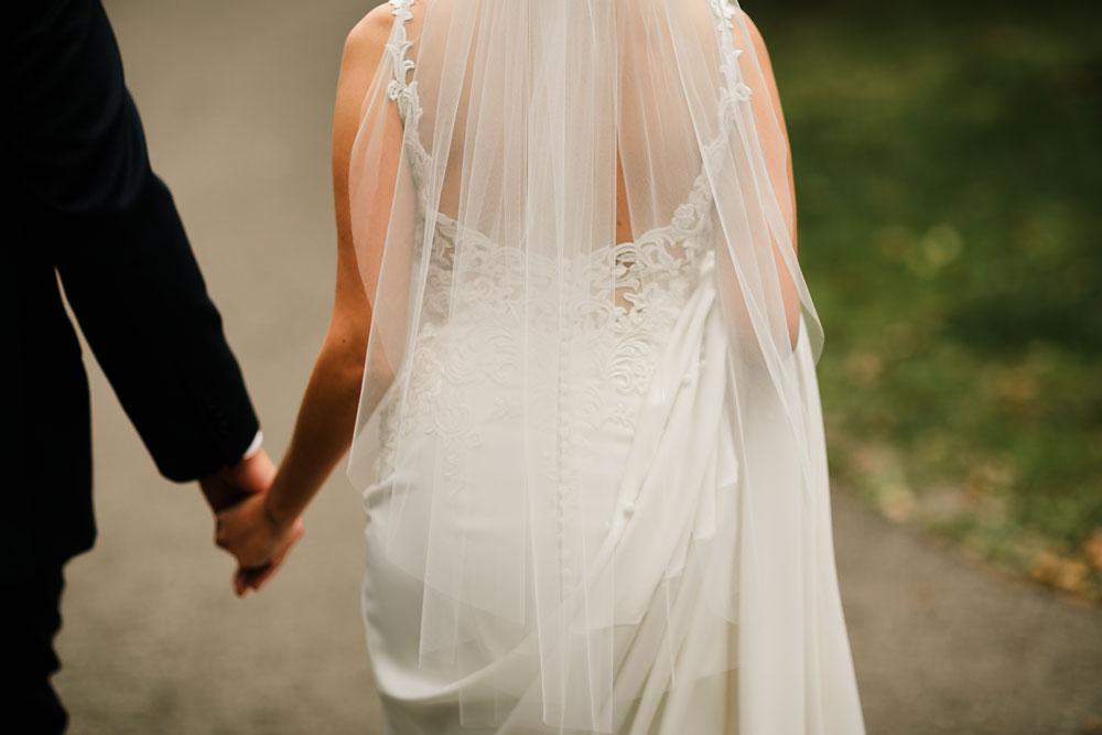 columbus-ohio-wedding-photographers-landolls-mohican-castle-central-ohio-fall-outdoor-wedding-101.jpg