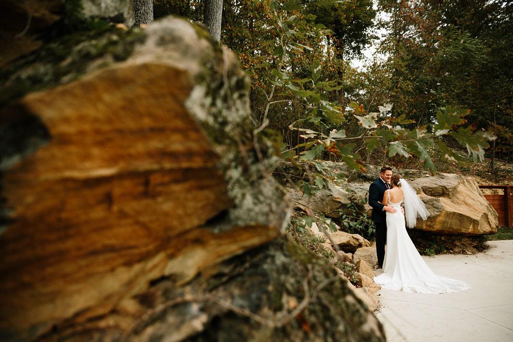 columbus-ohio-wedding-photographers-landolls-mohican-castle-central-ohio-fall-outdoor-wedding-115.jpg