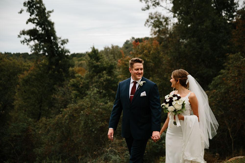 columbus-ohio-wedding-photographers-landolls-mohican-castle-central-ohio-fall-outdoor-wedding-122.jpg