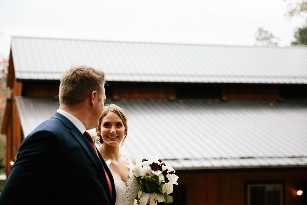 columbus-ohio-wedding-photographers-landolls-mohican-castle-central-ohio-fall-outdoor-wedding-124.jpg