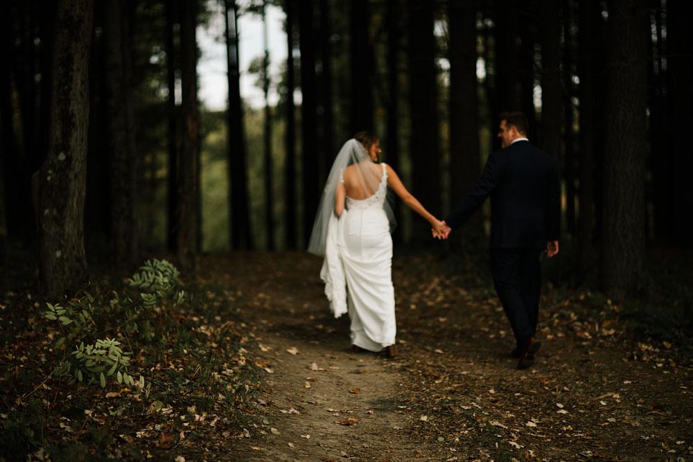 columbus-ohio-wedding-photographers-landolls-mohican-castle-central-ohio-fall-outdoor-wedding-126.jpg