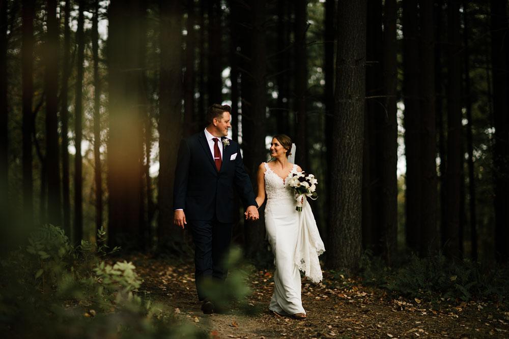 columbus-ohio-wedding-photographers-landolls-mohican-castle-central-ohio-fall-outdoor-wedding-128.jpg