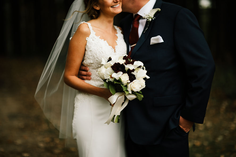 columbus-ohio-wedding-photographers-landolls-mohican-castle-central-ohio-fall-outdoor-wedding-132.jpg
