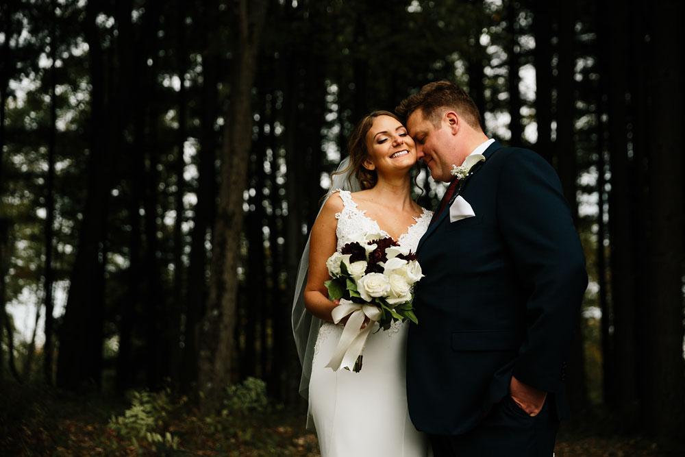 columbus-ohio-wedding-photographers-landolls-mohican-castle-central-ohio-fall-outdoor-wedding-134.jpg
