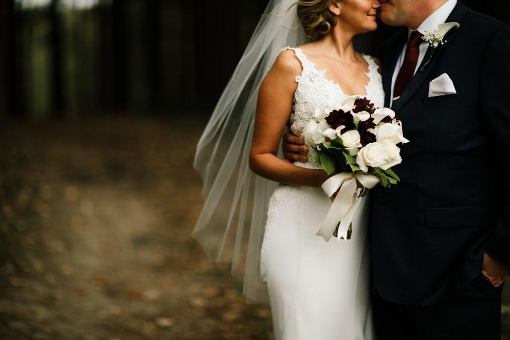 columbus-ohio-wedding-photographers-landolls-mohican-castle-central-ohio-fall-outdoor-wedding-135.jpg