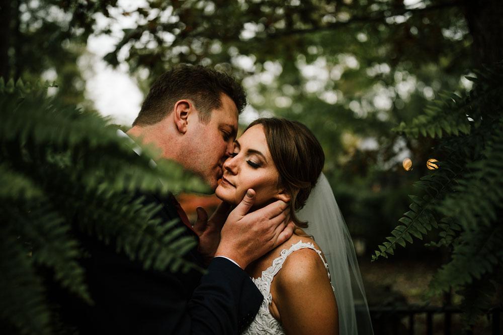 columbus-ohio-wedding-photographers-landolls-mohican-castle-central-ohio-fall-outdoor-wedding-140.jpg