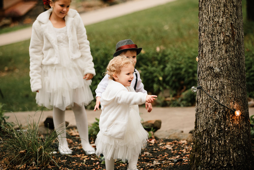 columbus-ohio-wedding-photographers-landolls-mohican-castle-central-ohio-fall-outdoor-wedding-148.jpg