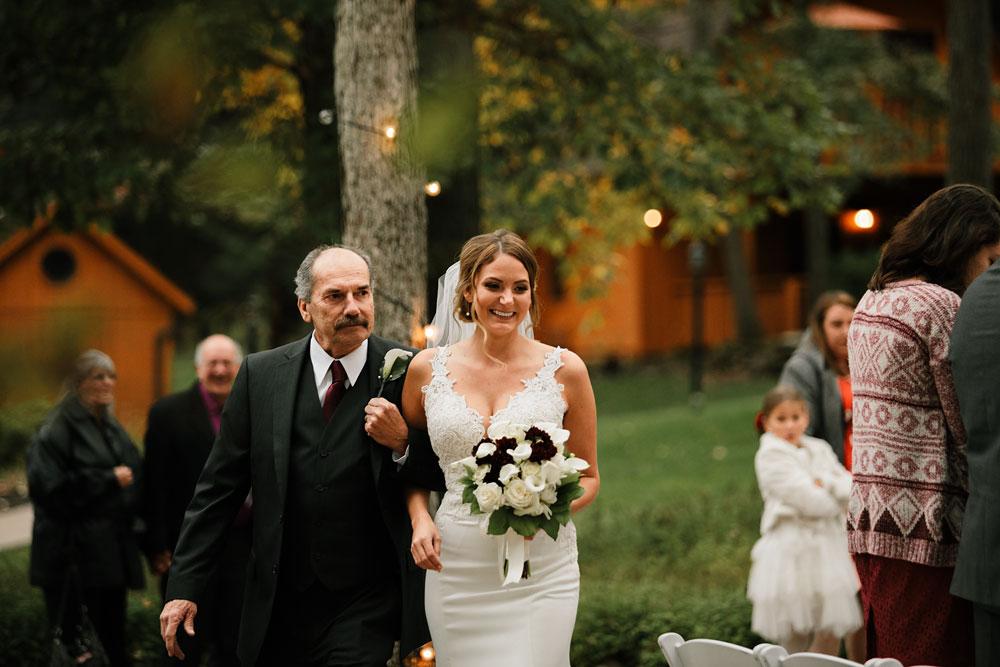 columbus-ohio-wedding-photographers-landolls-mohican-castle-central-ohio-fall-outdoor-wedding-154.jpg