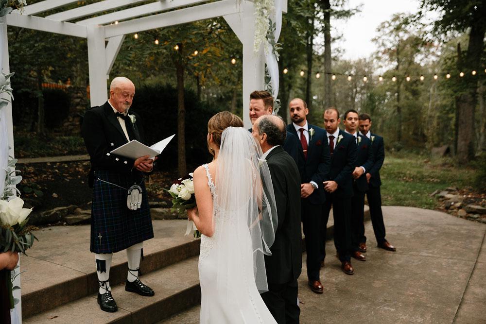 columbus-ohio-wedding-photographers-landolls-mohican-castle-central-ohio-fall-outdoor-wedding-159.jpg