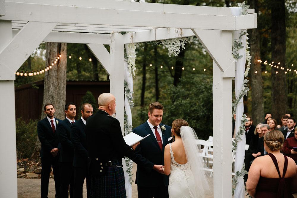 columbus-ohio-wedding-photographers-landolls-mohican-castle-central-ohio-fall-outdoor-wedding-161.jpg