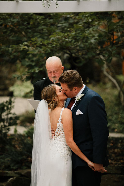 columbus-ohio-wedding-photographers-landolls-mohican-castle-central-ohio-fall-outdoor-wedding-168.jpg