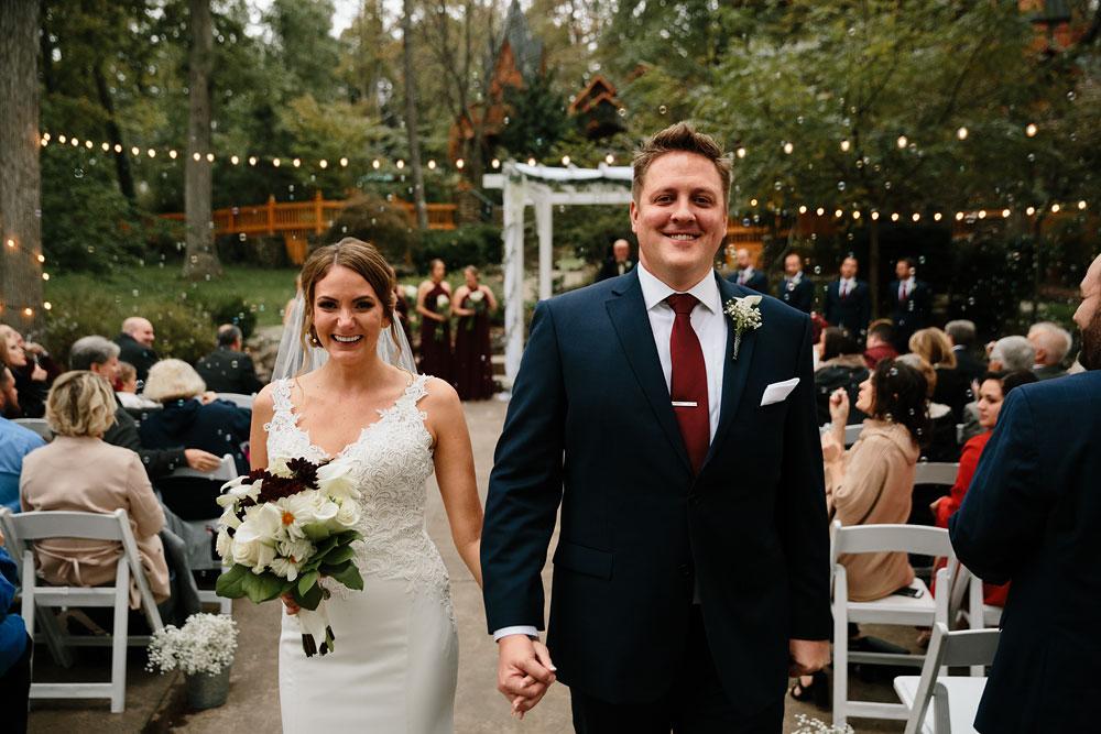 columbus-ohio-wedding-photographers-landolls-mohican-castle-central-ohio-fall-outdoor-wedding-172.jpg