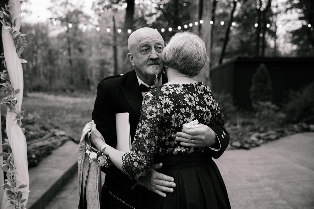 columbus-ohio-wedding-photographers-landolls-mohican-castle-central-ohio-fall-outdoor-wedding-175.jpg