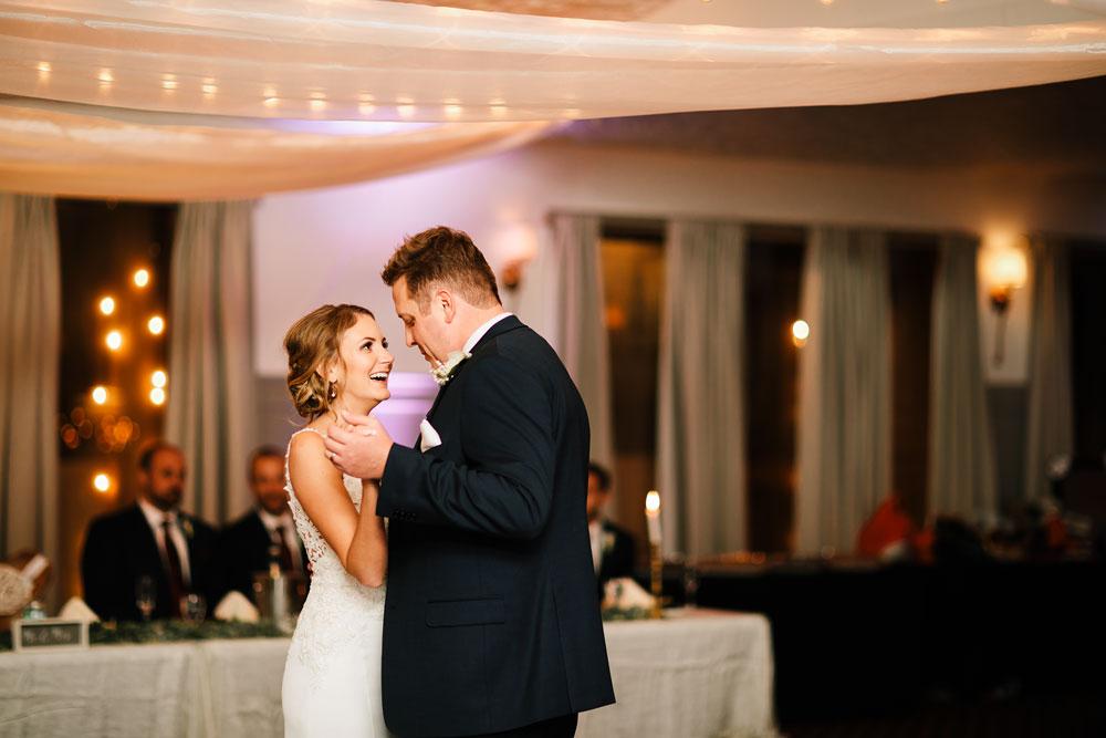 columbus-ohio-wedding-photographers-landolls-mohican-castle-central-ohio-fall-outdoor-wedding-180.jpg