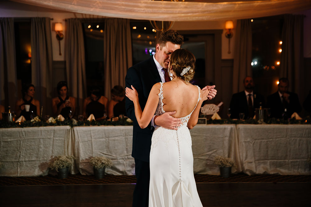 columbus-ohio-wedding-photographers-landolls-mohican-castle-central-ohio-fall-outdoor-wedding-181.jpg