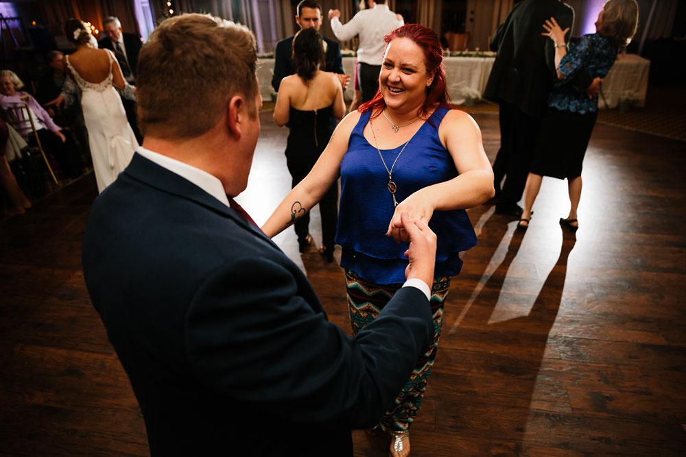 columbus-ohio-wedding-photographers-landolls-mohican-castle-central-ohio-fall-outdoor-wedding-195.jpg