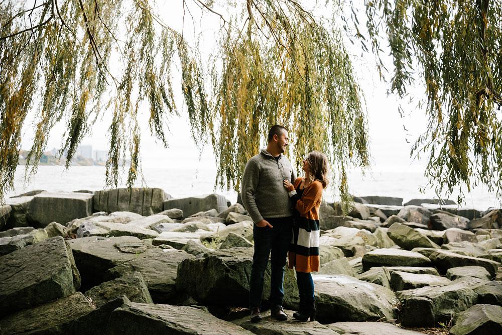 cleveland-wedding-photographers-engagement-edgewater-beach-rocky-river-metroparks-1.jpg