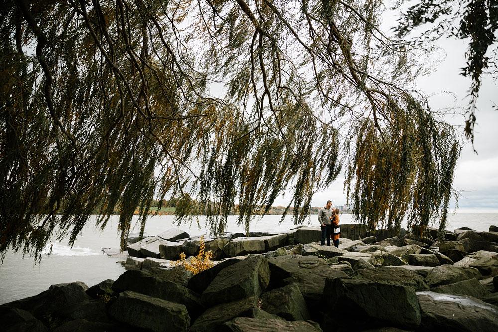 cleveland-wedding-photographers-engagement-edgewater-beach-rocky-river-metroparks-9.jpg