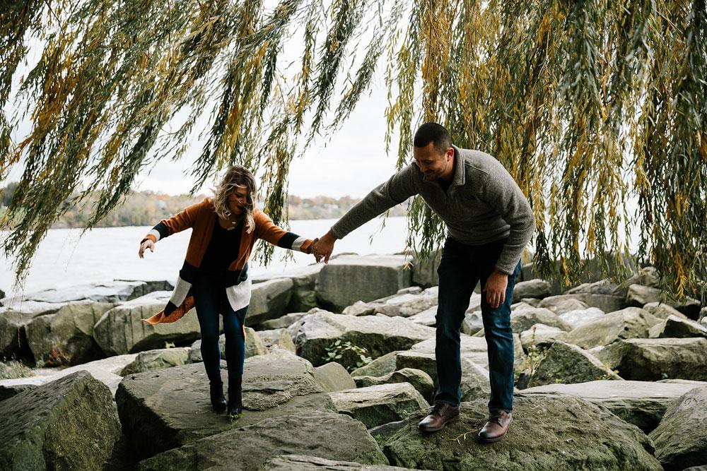 cleveland-wedding-photographers-engagement-edgewater-beach-rocky-river-metroparks-10.jpg