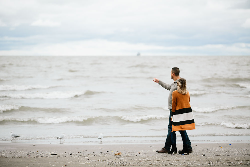 cleveland-wedding-photographers-engagement-edgewater-beach-rocky-river-metroparks-16.jpg