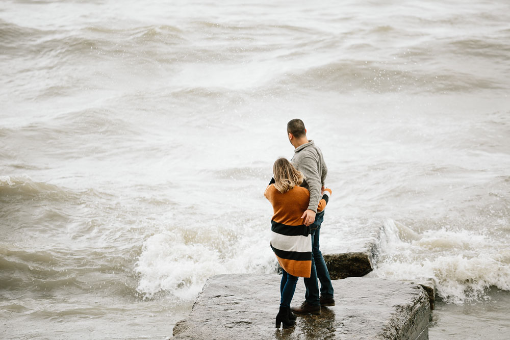 cleveland-wedding-photographers-engagement-edgewater-beach-rocky-river-metroparks-22.jpg