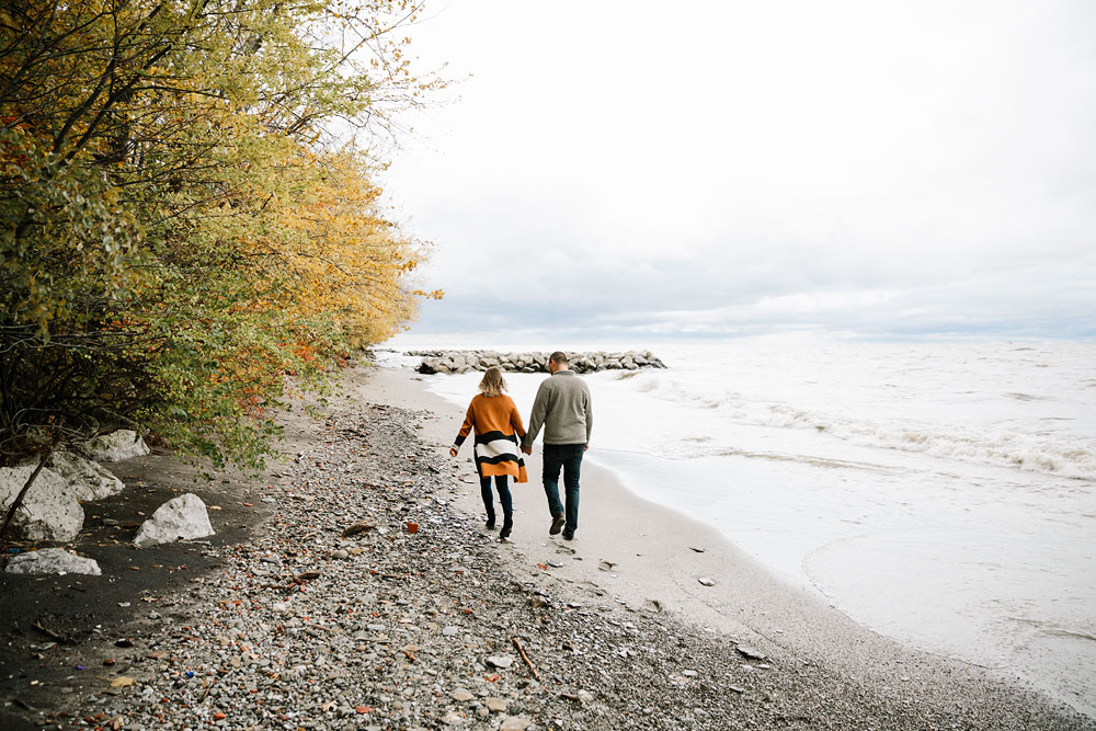 cleveland-wedding-photographers-engagement-edgewater-beach-rocky-river-metroparks-26.jpg