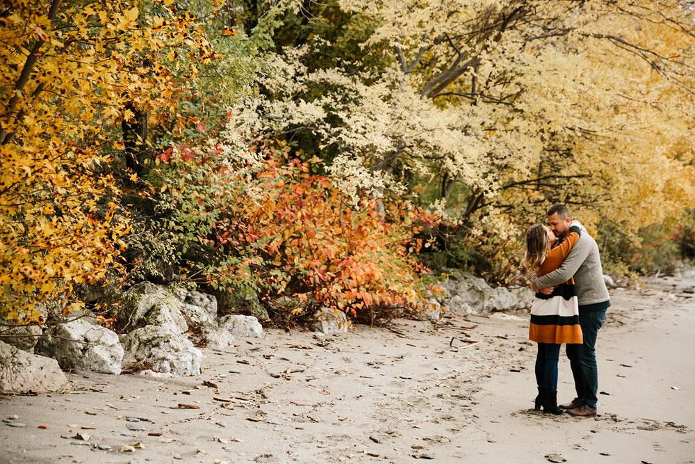 cleveland-wedding-photographers-engagement-edgewater-beach-rocky-river-metroparks-28.jpg