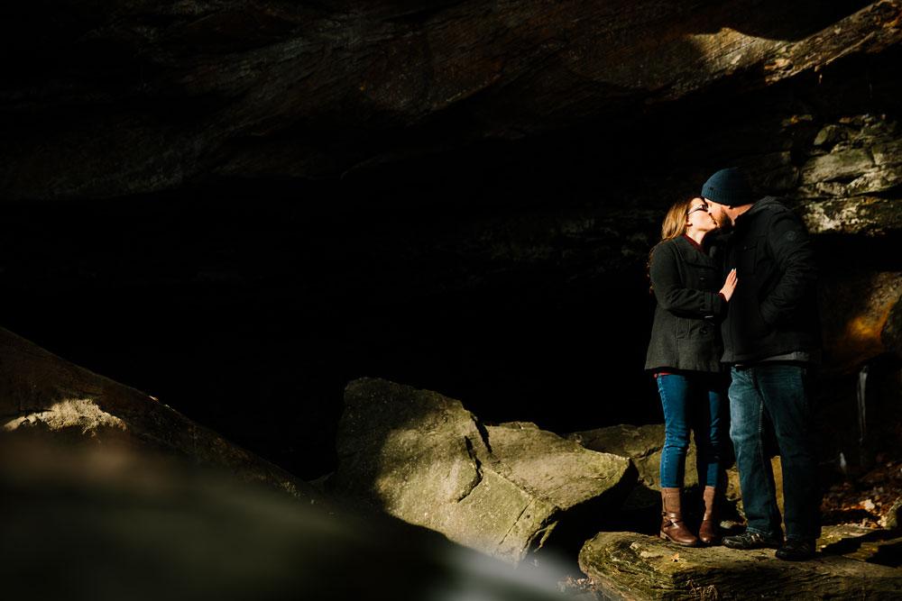 cuyahoga-falls-gorge-engagement-photography-akron-photographers-14.jpg