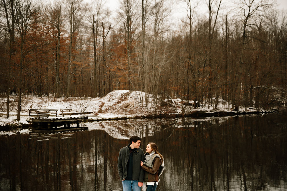 cleveland-wedding-photography-chesterland-ohio-engagement-at-orchard-hills-pattersons-fruit-farm-9.jpg