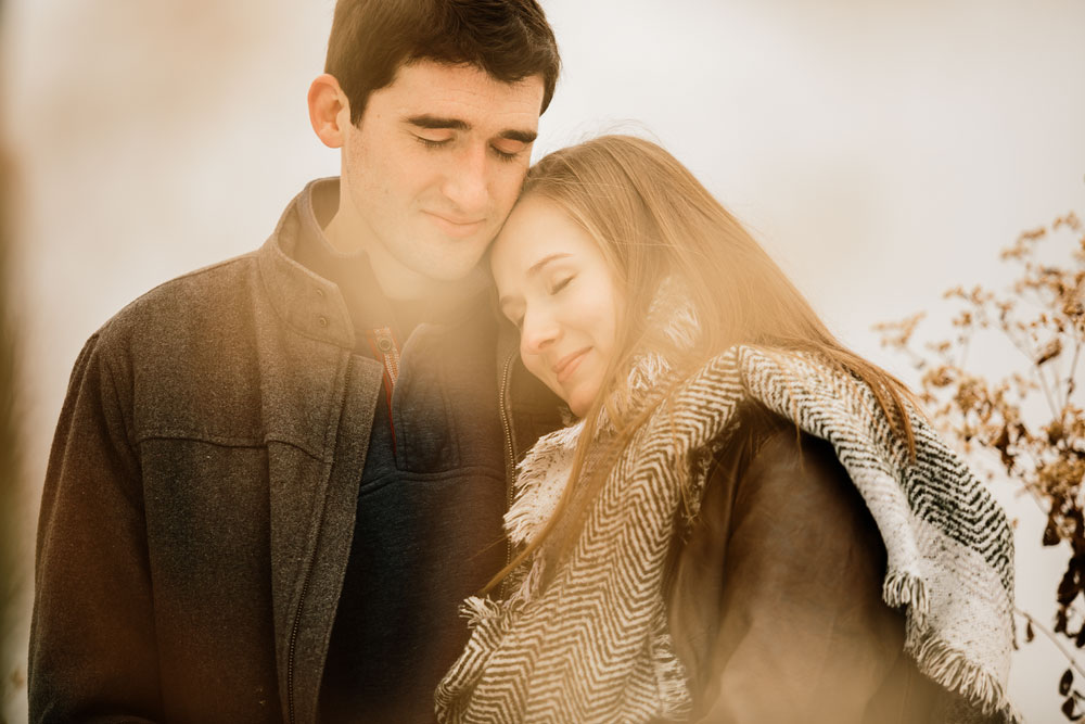 cleveland-wedding-photography-chesterland-ohio-engagement-at-orchard-hills-pattersons-fruit-farm-12.jpg