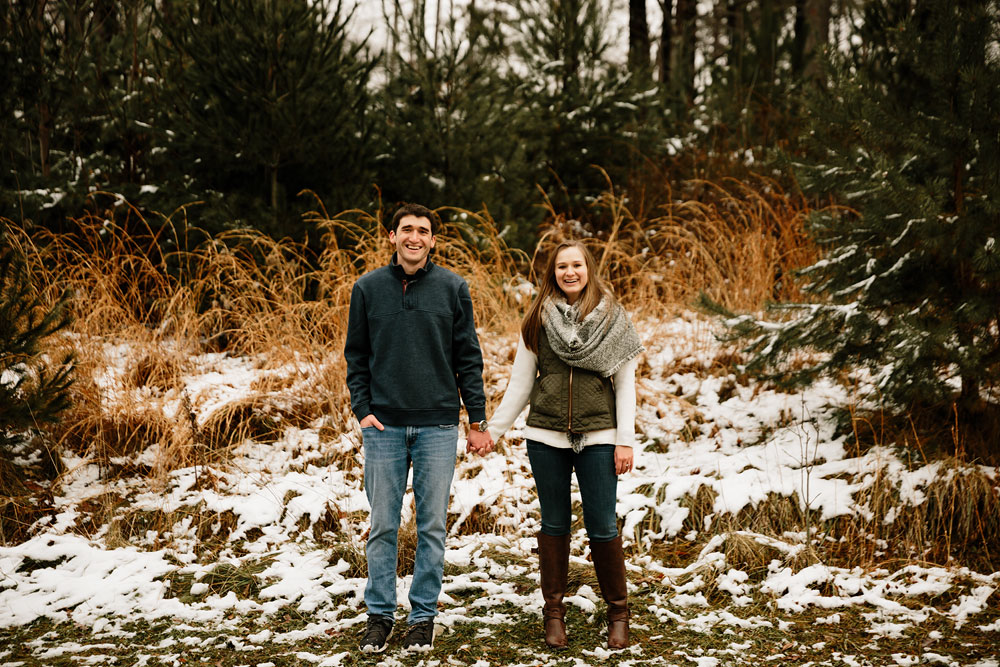 cleveland-wedding-photography-chesterland-ohio-engagement-at-orchard-hills-pattersons-fruit-farm-18.jpg